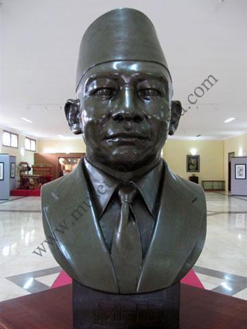 Contoh Biografi Jendral Sudirman Contoh Jos